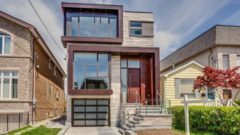 Small Custom homes in Toronto